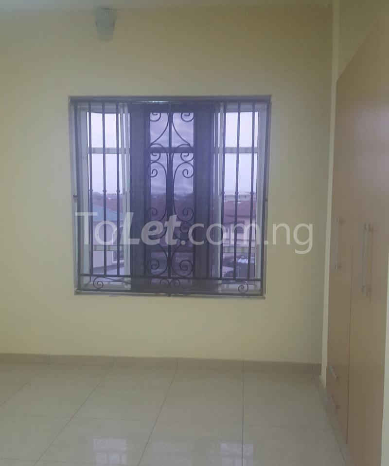 3 bedroom Flat / Apartment for rent Surulere Lagos Ojuelegba Surulere Lagos - 8