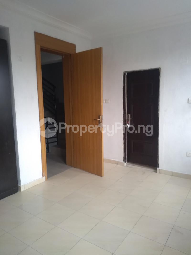 4 bedroom Terraced Duplex House for sale Alagomeji Alagomeji Yaba Lagos - 11