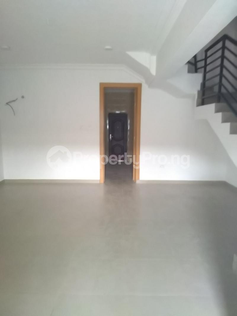4 bedroom Terraced Duplex House for rent Alagomeji  Alagomeji Yaba Lagos - 3