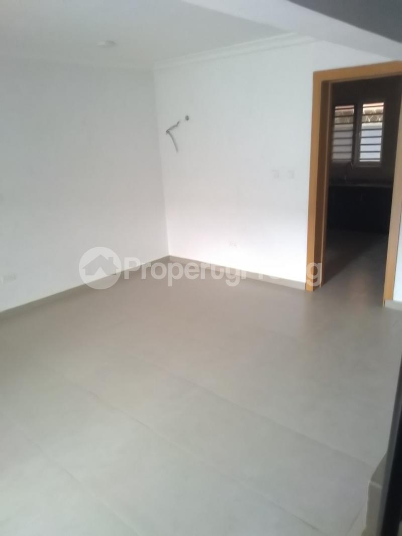 4 bedroom Terraced Duplex House for rent Alagomeji  Alagomeji Yaba Lagos - 9