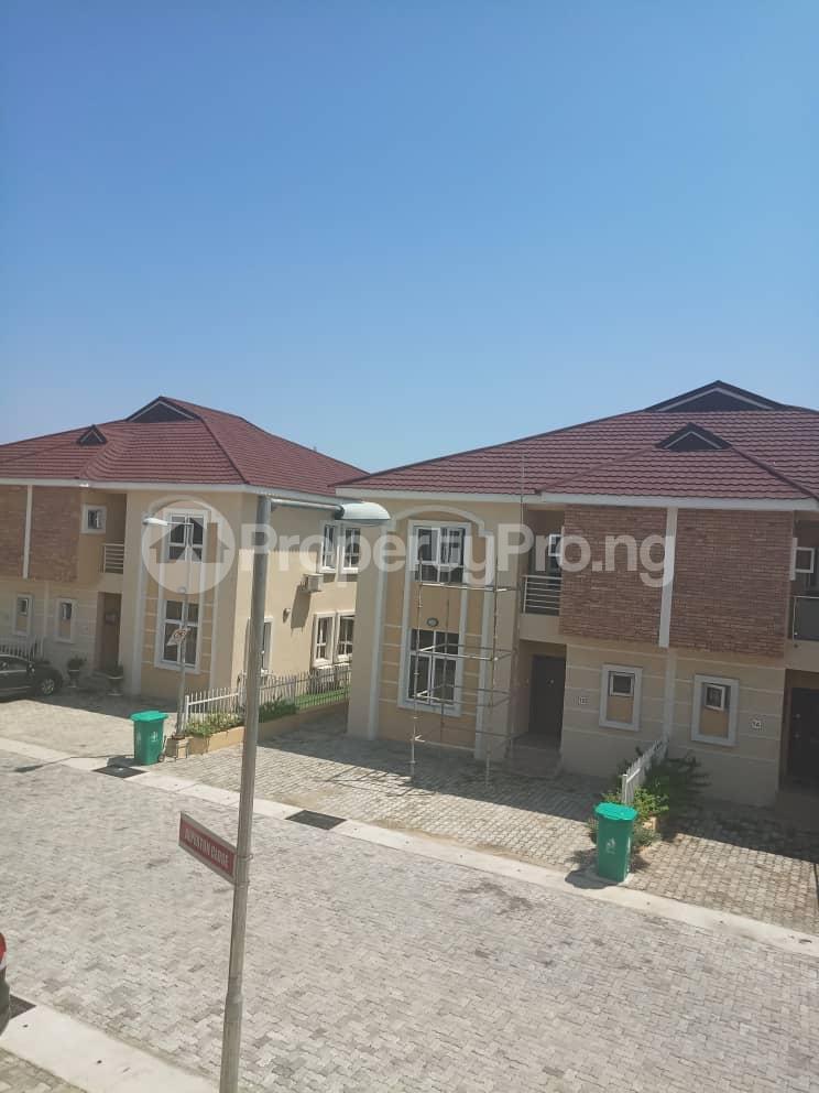 4 bedroom Semi Detached Duplex House for sale Alperton Estate, Jakande Lekki Lagos - 3