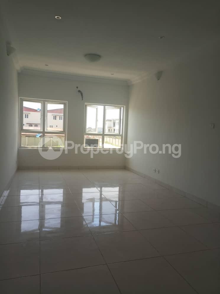 4 bedroom Semi Detached Duplex House for sale Alperton Estate, Jakande Lekki Lagos - 5