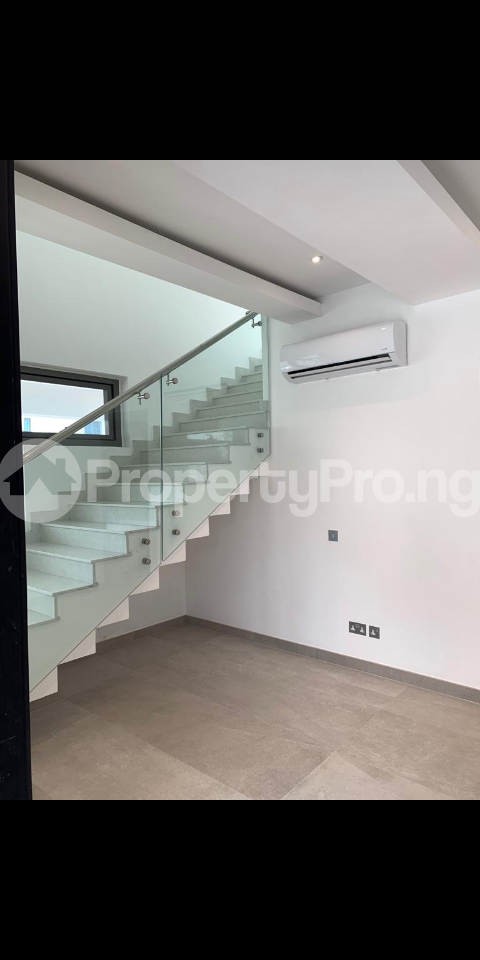 4 bedroom Detached Duplex House for sale Shoreline drive off Turnbull Ikoyi Lagos - 14