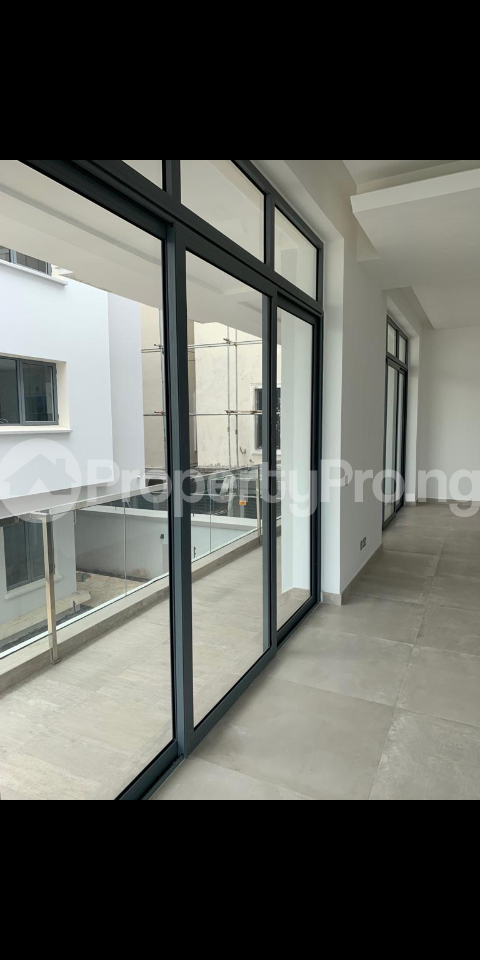 4 bedroom Detached Duplex House for sale Shoreline drive off Turnbull Ikoyi Lagos - 2