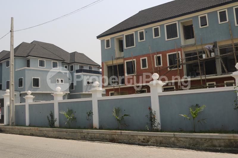 4 bedroom Terraced Duplex House for sale Osapa london Lekki Lagos - 3