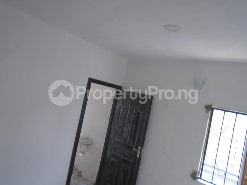 1 bedroom Mini flat for rent Off Western Avenue, Alaka Estate Surulere Lagos - 4