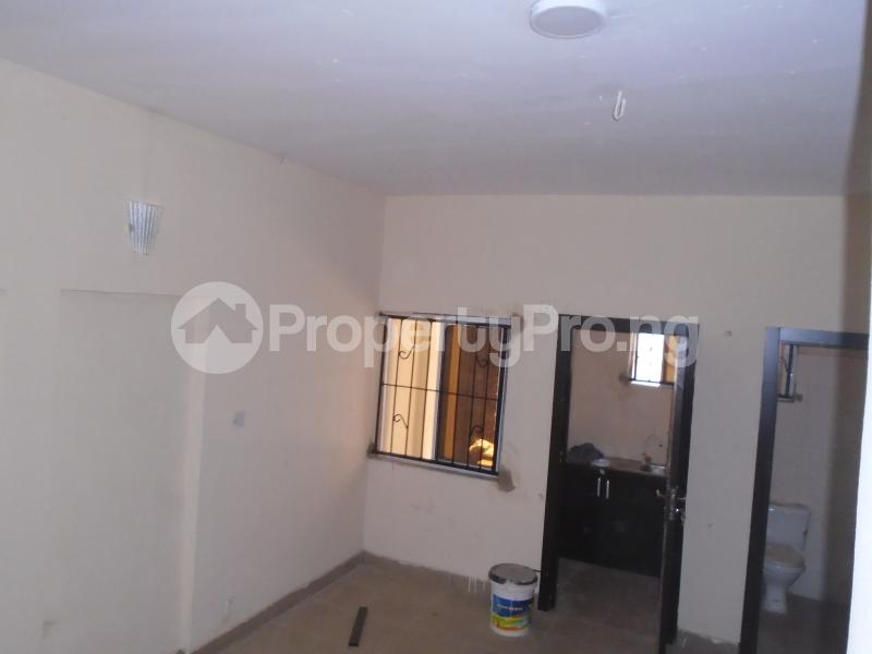 1 bedroom Self Contain for rent Off Western Avenue, Alaka Estate Surulere Lagos - 1