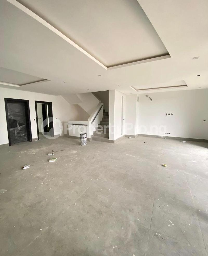 4 bedroom Terraced Duplex for sale Lekki Phase 1 Lekki Lagos - 1