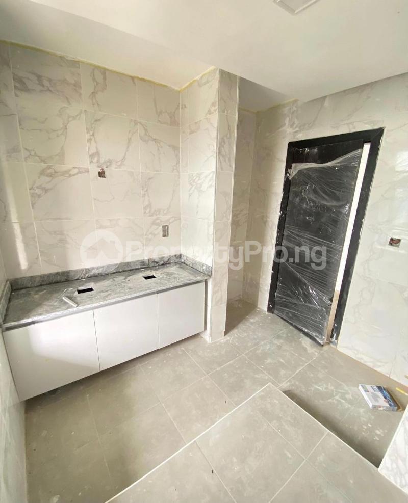 4 bedroom Terraced Duplex for sale Lekki Phase 1 Lekki Lagos - 8