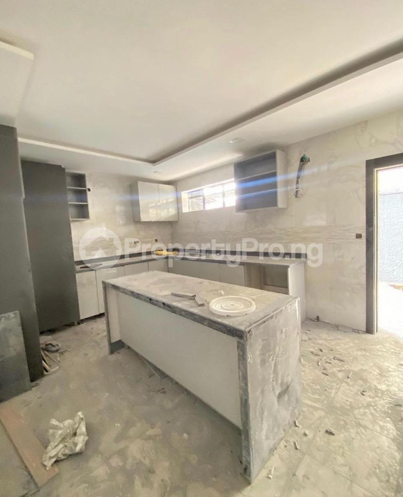 4 bedroom Terraced Duplex for sale Lekki Phase 1 Lekki Lagos - 5