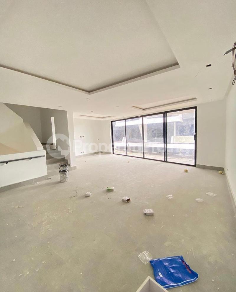 4 bedroom Terraced Duplex for sale Lekki Phase 1 Lekki Lagos - 2