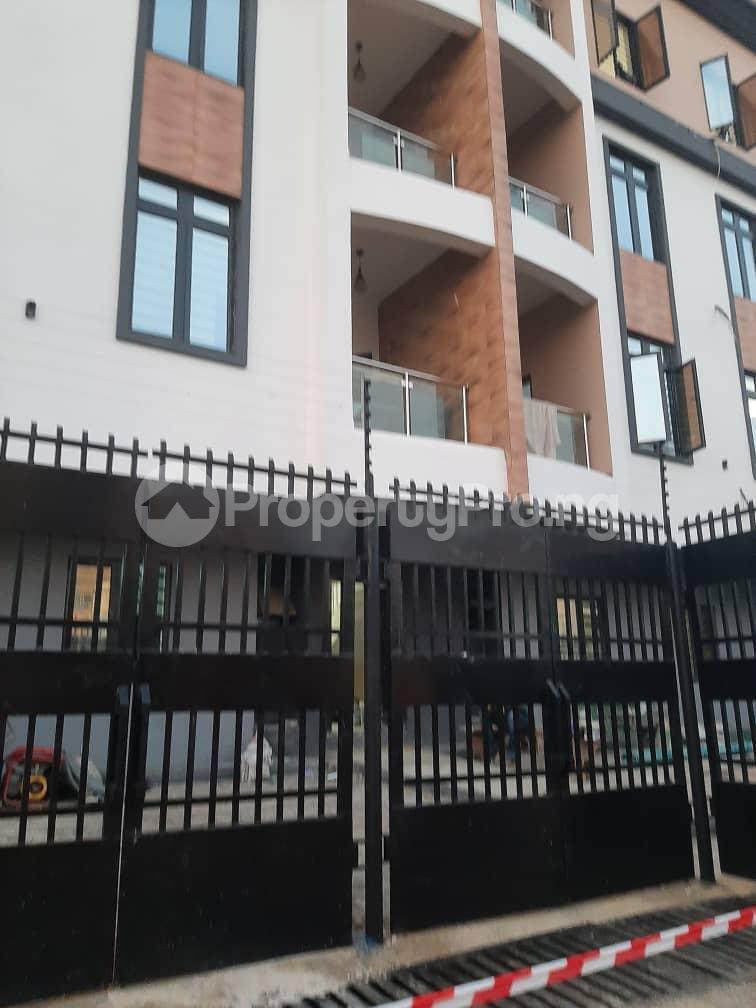 3 bedroom Flat / Apartment for rent Oyadiran estate  Sabo Yaba Lagos - 0