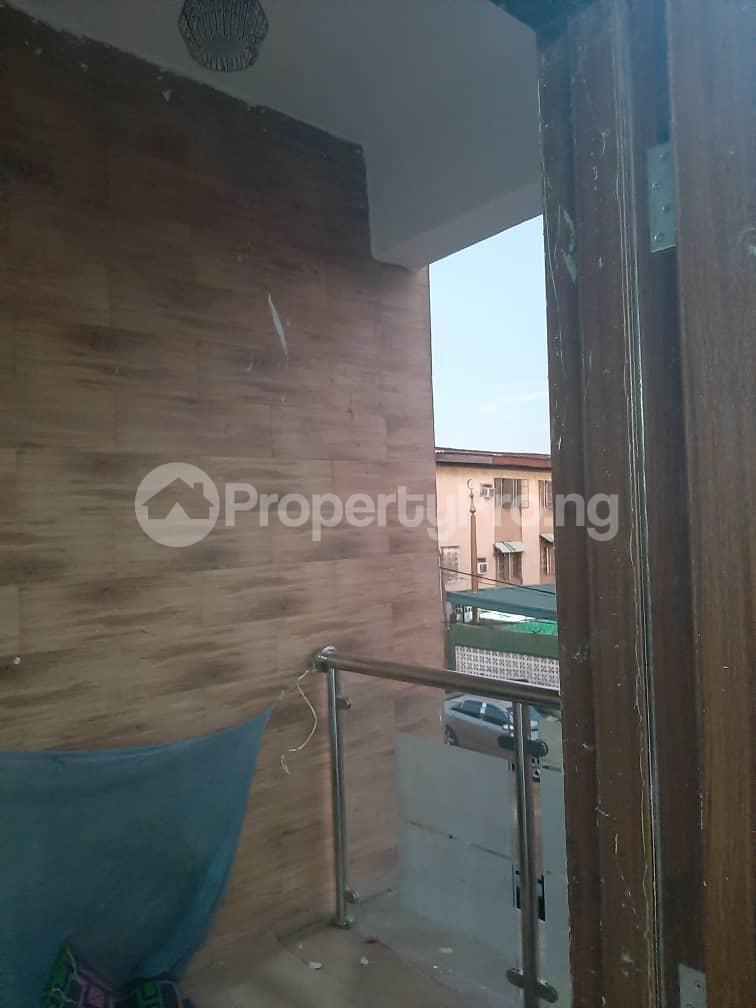 3 bedroom Flat / Apartment for rent Oyadiran estate  Sabo Yaba Lagos - 17