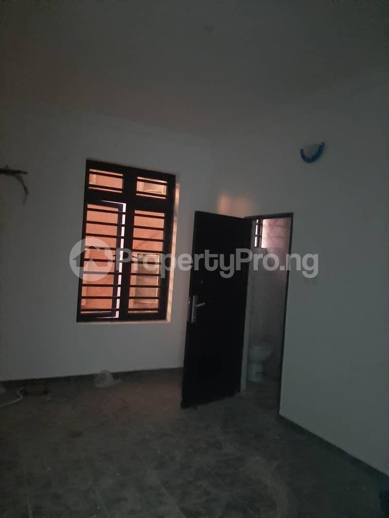3 bedroom Flat / Apartment for rent Oyadiran estate  Sabo Yaba Lagos - 15