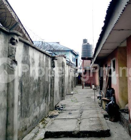 2 bedroom Blocks of Flats House for sale Chinda street by Ada George Obia-Akpor Port Harcourt Rivers - 4