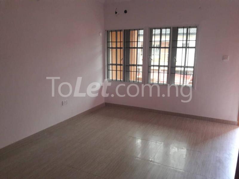 3 bedroom House for rent Located Inside Lekki Paradise Estate At Chevron Drive After Ebano Supermarket chevron Lekki Lagos - 11