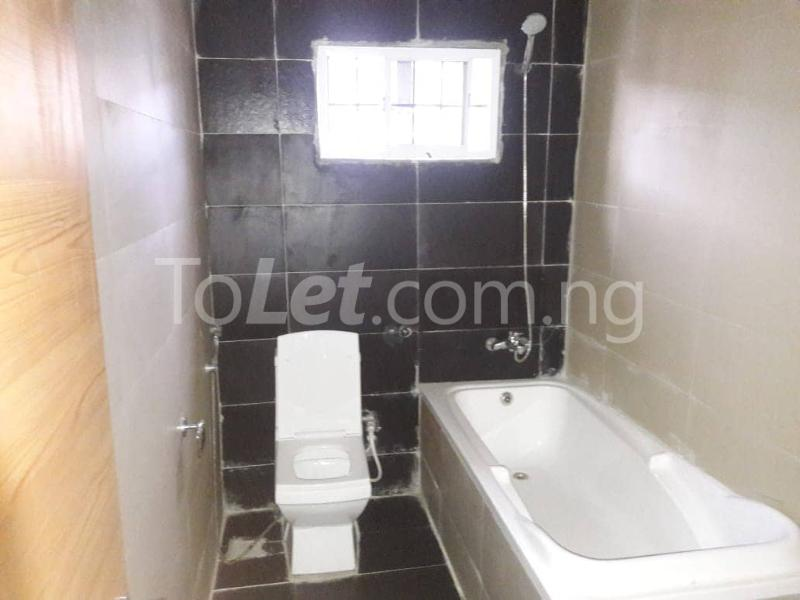 3 bedroom House for rent Located Inside Lekki Paradise Estate At Chevron Drive After Ebano Supermarket chevron Lekki Lagos - 10
