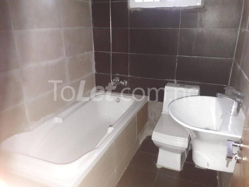 3 bedroom House for rent Located Inside Lekki Paradise Estate At Chevron Drive After Ebano Supermarket chevron Lekki Lagos - 9