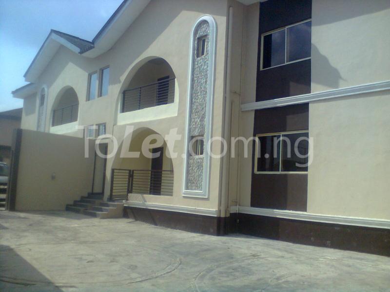 4 bedroom Flat / Apartment for shortlet Adetoro Adelaja Street Magodo GRA Phase 2 Kosofe/Ikosi Lagos - 4