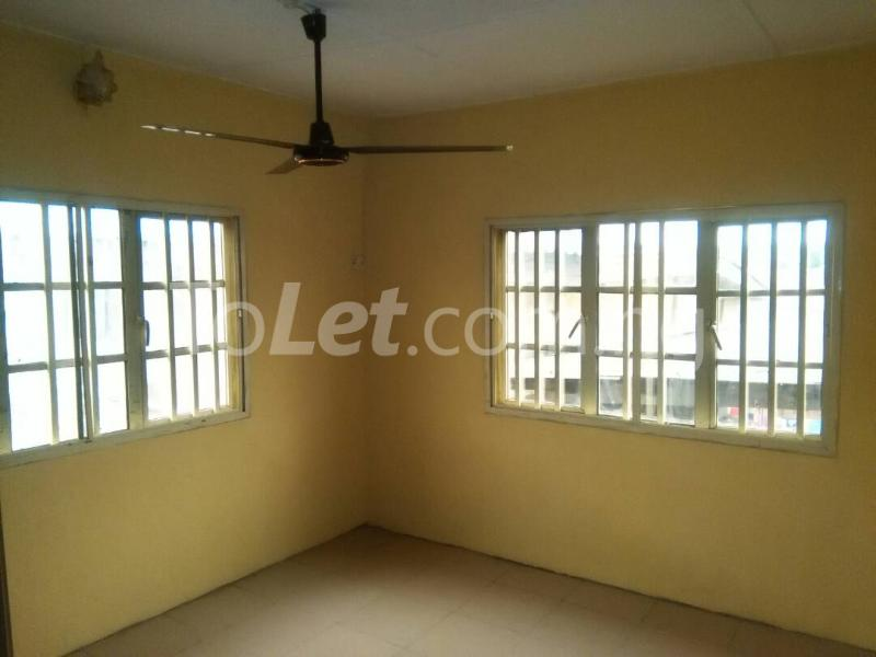 2 bedroom House for rent Akinwunmi street Mende Maryland Lagos - 5