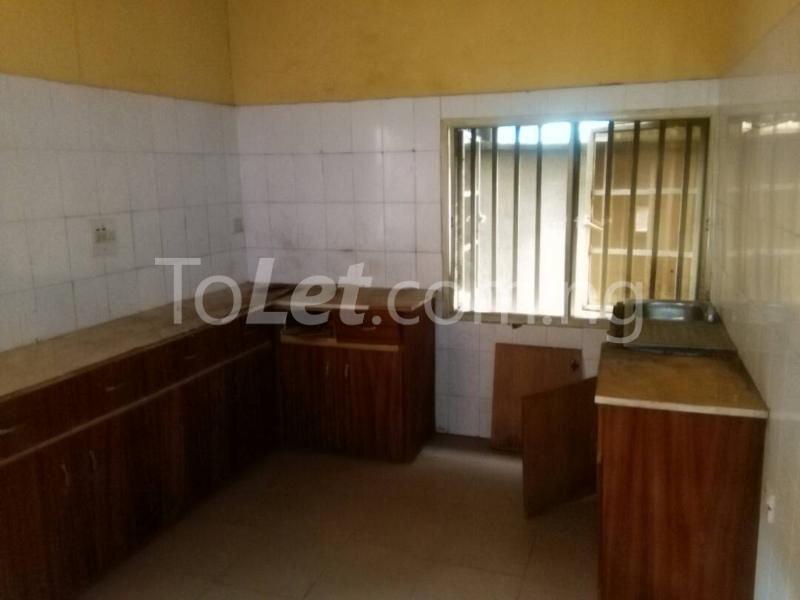 2 bedroom House for rent Akinwunmi street Mende Maryland Lagos - 9
