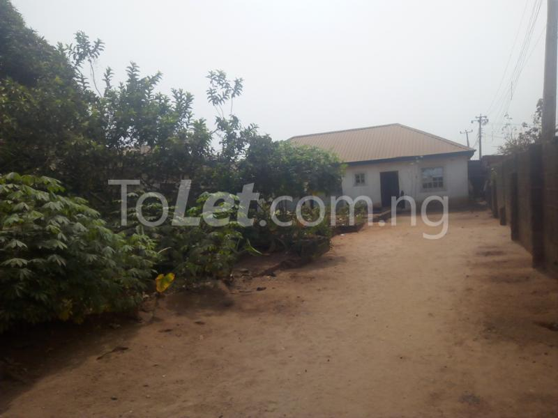3 bedroom Flat / Apartment for sale Hiltop Estate  Ipaja Lagos - 4