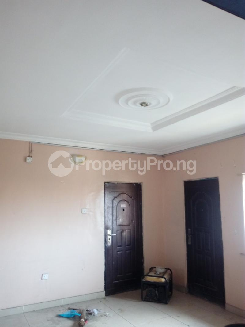 3 bedroom Flat / Apartment for rent remilekun Ogunlana Surulere Lagos - 0