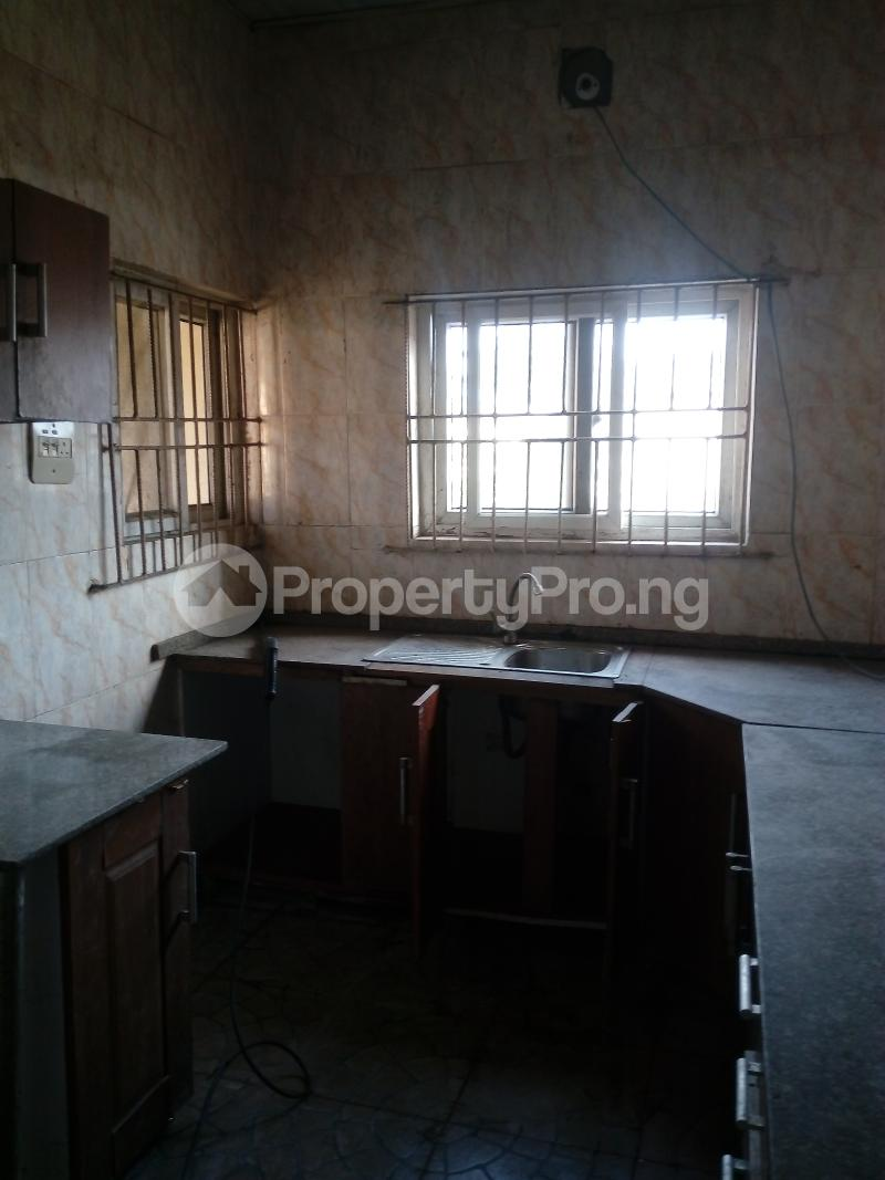 3 bedroom Flat / Apartment for rent remilekun Ogunlana Surulere Lagos - 2