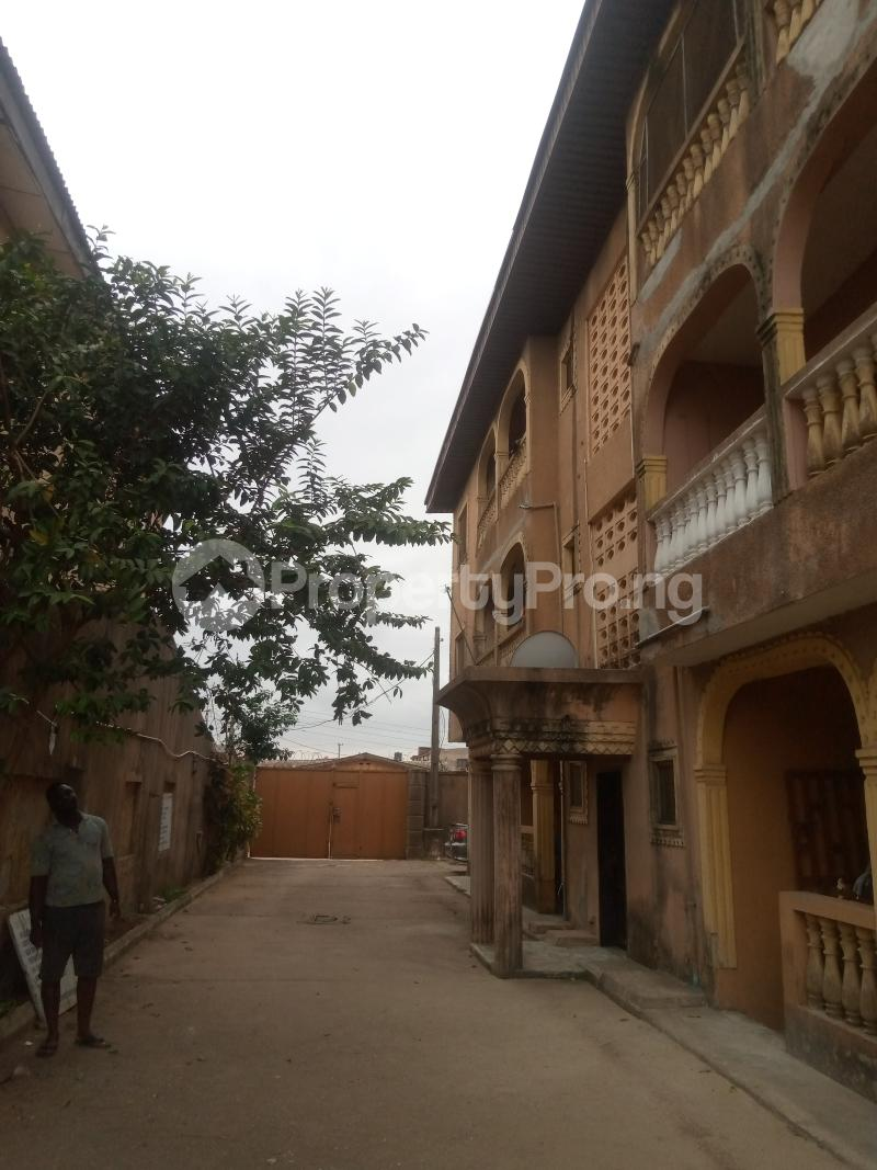 Flat / Apartment for rent Egbeda Egbeda Alimosho Lagos - 1