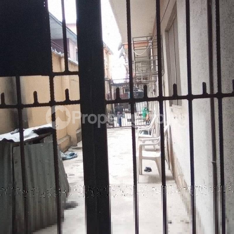 6 bedroom Detached Duplex House for rent Community road, Akoka Yaba Lagos - 10