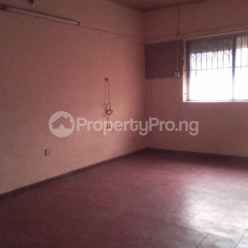 6 bedroom Detached Duplex House for rent Community road, Akoka Yaba Lagos - 5