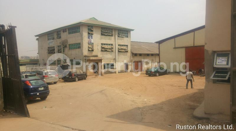 Warehouse Commercial Property for sale  rindroad Ibadan. Ring Rd Ibadan Oyo - 4