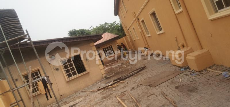 9 bedroom Hotel/Guest House Commercial Property for sale Oluwo Estate Opposite Funaab Gate Campus, Abeokuta. Asero Abeokuta Ogun - 2