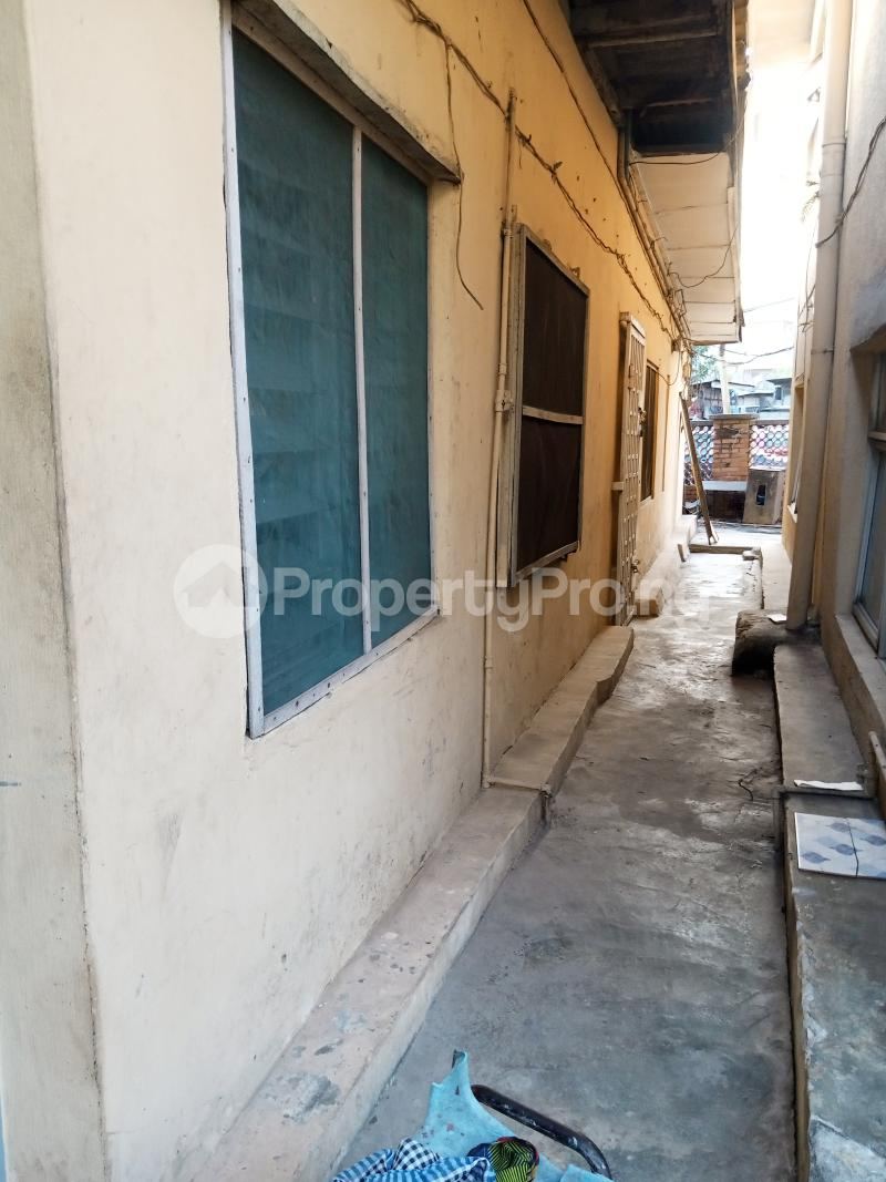 1 bedroom mini flat  Mini flat Flat / Apartment for rent   Akoka Yaba Lagos - 6