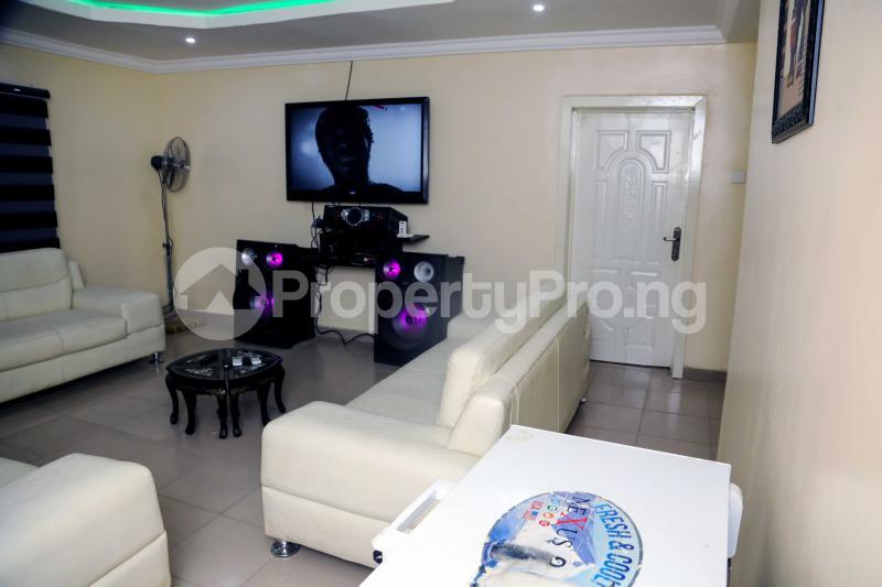 3 bedroom Studio Apartment for shortlet Owolaso Street, Papa Area Off Isebo Alakia Road Off New Ife Expressway Alakia Ibadan Oyo - 1