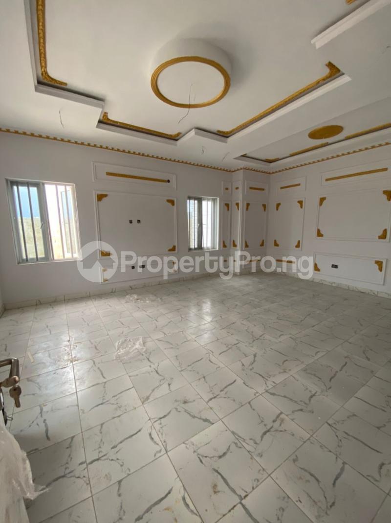 3 bedroom Detached Bungalow for sale Awoyaya Lekki Epe Express Way , De Castle Estate Awoyaya Ajah Lagos - 27