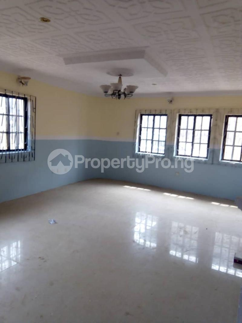 2 bedroom Blocks of Flats House for rent 2nd gate Airport. Alakia Ibadan Oyo - 5