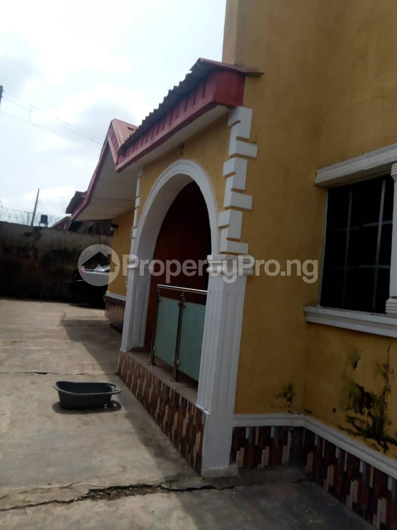 2 bedroom Blocks of Flats House for rent 2nd gate Airport. Alakia Ibadan Oyo - 0