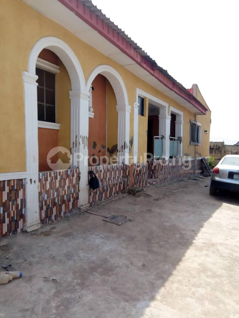 2 bedroom Blocks of Flats House for rent 2nd gate Airport. Alakia Ibadan Oyo - 9