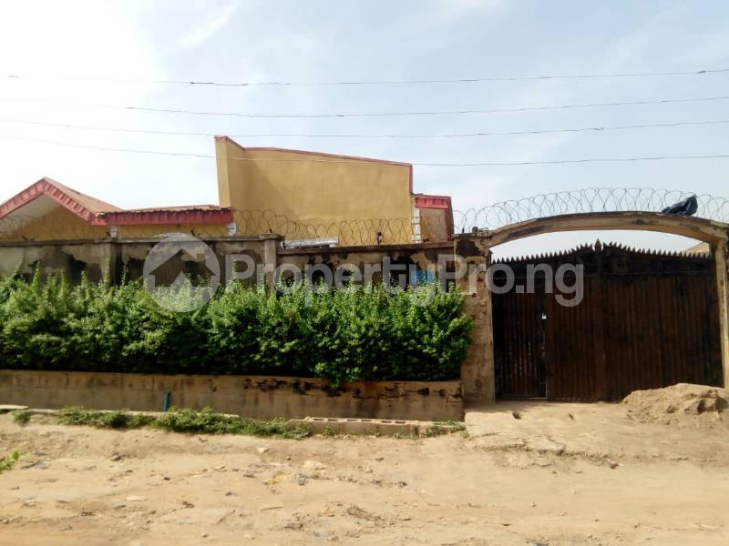 2 bedroom Blocks of Flats House for rent 2nd gate Airport. Alakia Ibadan Oyo - 10
