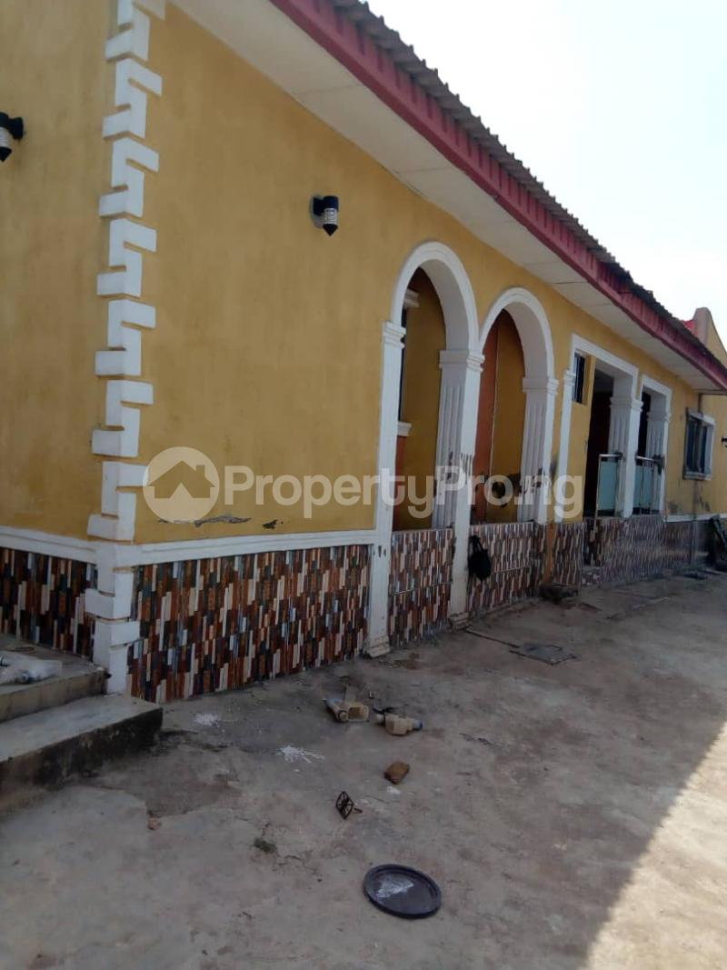 2 bedroom Blocks of Flats House for rent 2nd gate Airport. Alakia Ibadan Oyo - 11