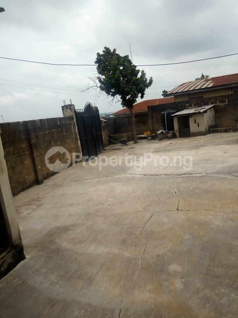 2 bedroom Blocks of Flats House for rent Iyana Agbala Area Alakia Ibadan Oyo - 5