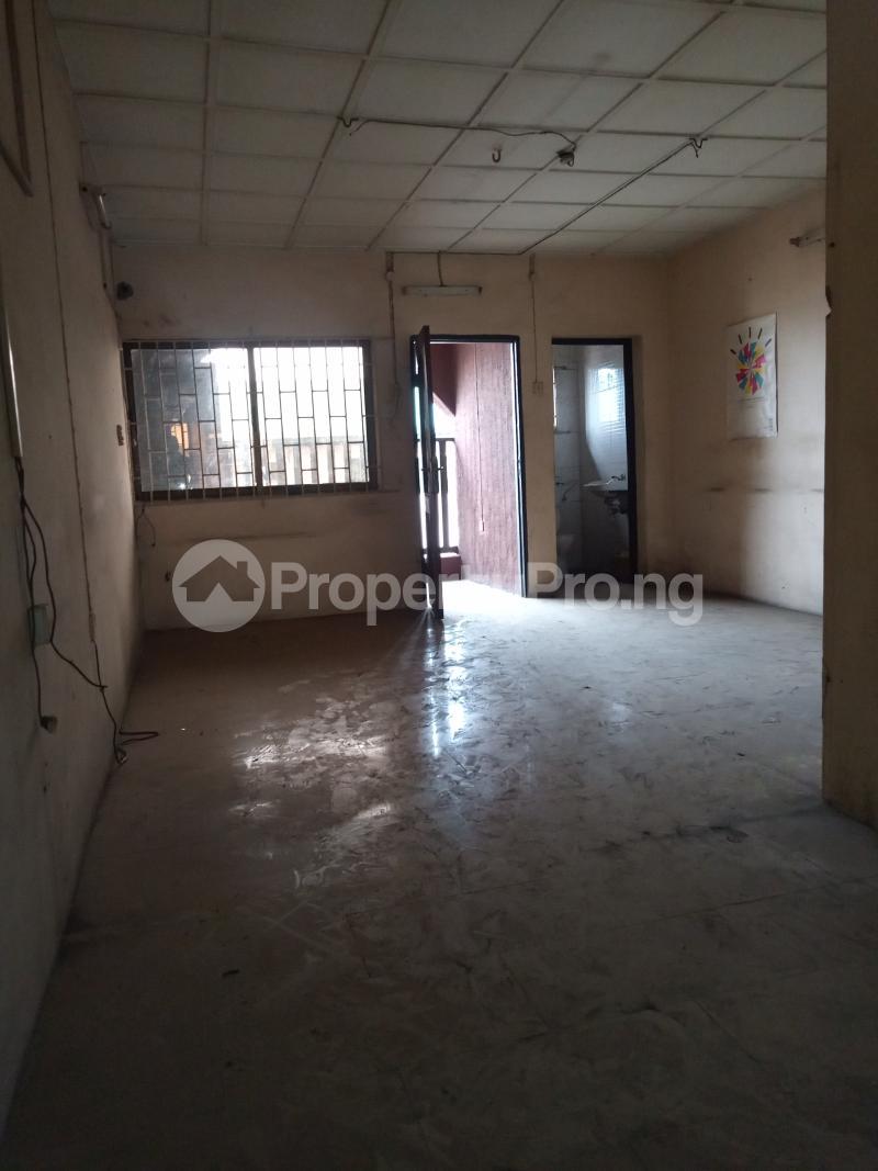 3 bedroom Office Space for rent Adekunle Alagomeji Yaba Lagos - 3