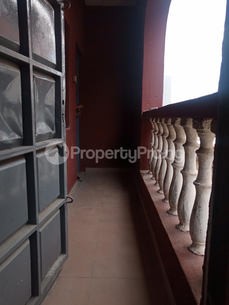3 bedroom Flat / Apartment for rent Folagoro Fola Agoro Yaba Lagos - 7