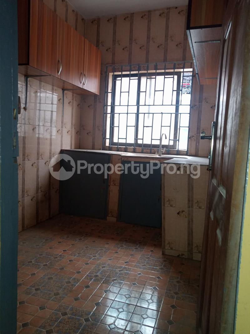 3 bedroom Flat / Apartment for rent Off Bajulaiye Fola Agoro Yaba Lagos - 8
