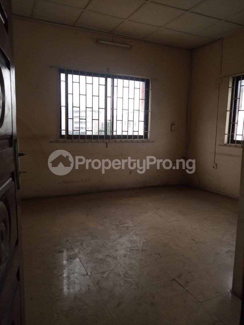 3 bedroom Office Space for rent Adekunle Alagomeji Yaba Lagos - 4