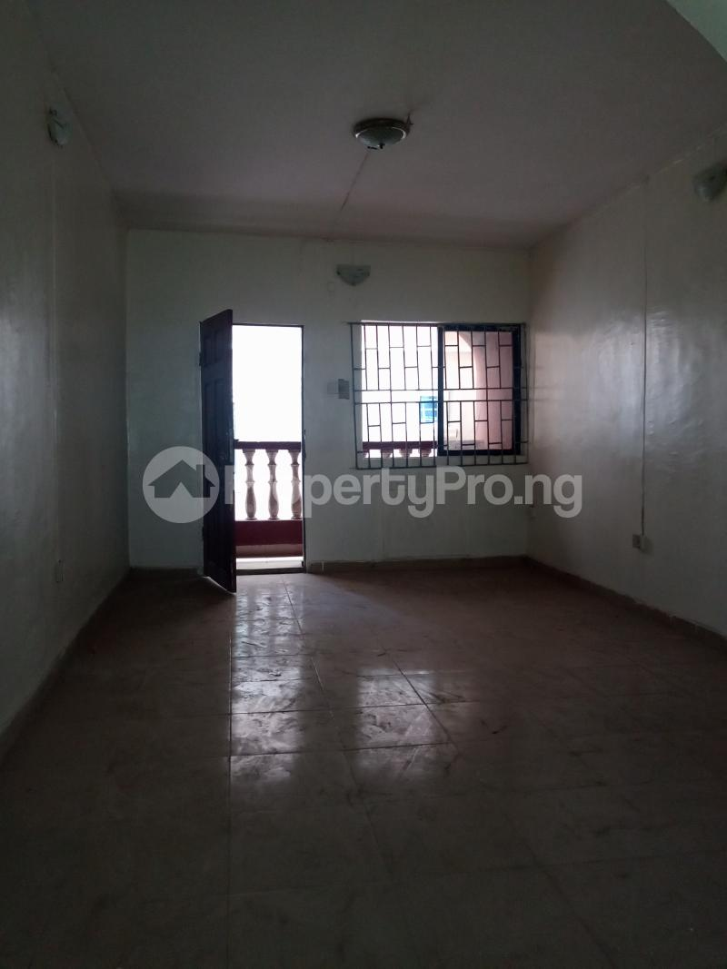 3 bedroom Flat / Apartment for rent Off Bajulaiye Fola Agoro Yaba Lagos - 6