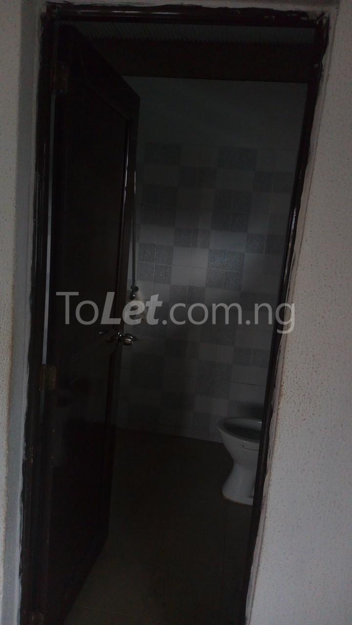 3 bedroom Flat / Apartment for rent   Egbeda Alimosho Lagos - 12