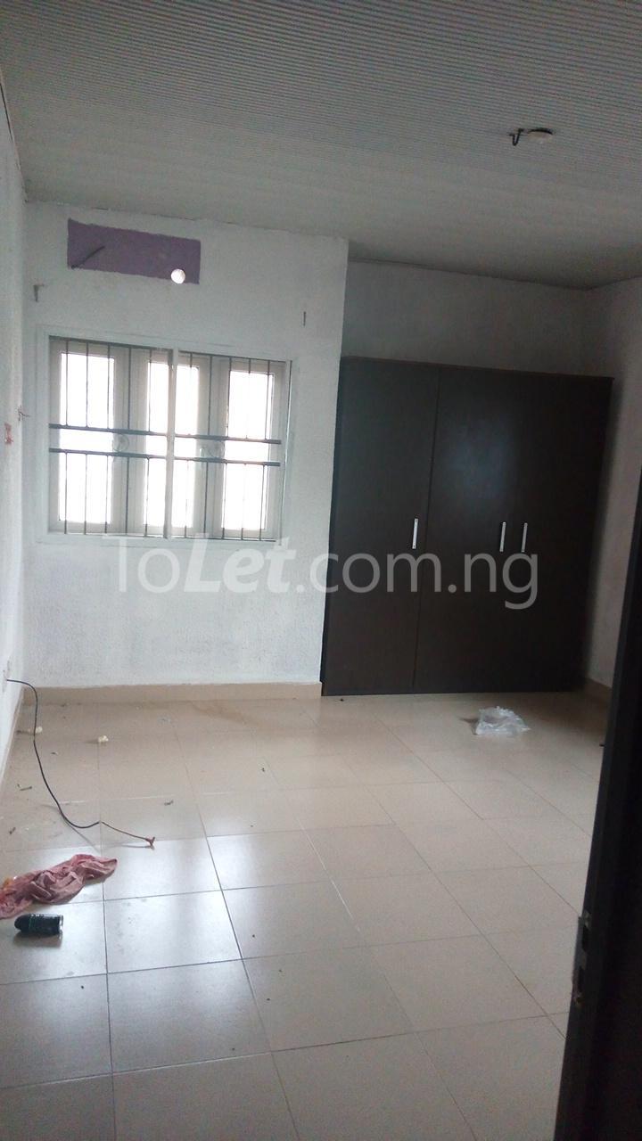 3 bedroom Flat / Apartment for rent   Egbeda Alimosho Lagos - 11