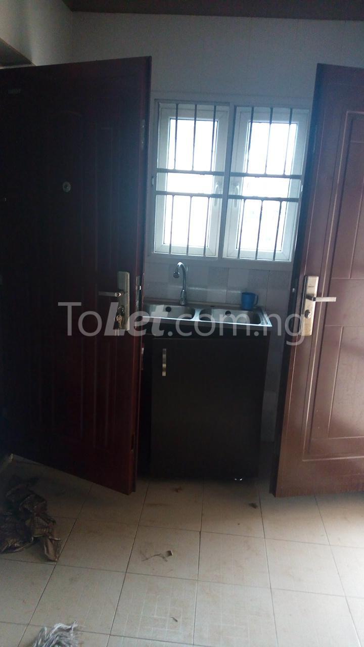 3 bedroom Flat / Apartment for rent   Egbeda Alimosho Lagos - 3